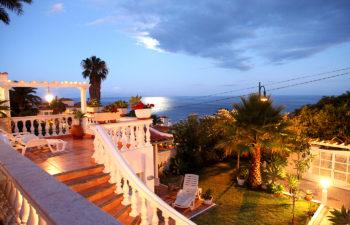 Ausblick vom Ferienhaus Moewennest auf das Meer am Abend