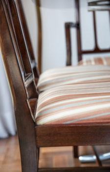 Gepolsterter Sessel im Detail