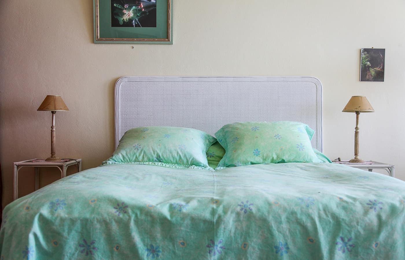 doppelbett tuerkis weiss schlafzimmer madeira. Black Bedroom Furniture Sets. Home Design Ideas